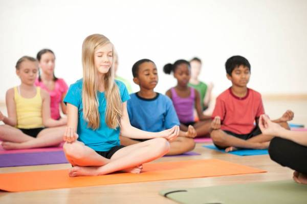 more-us-kids-doing-yoga-taking-sleep-supplements-1424993781-4417